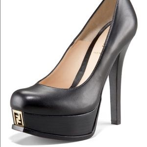 Fendi pump with gold logo